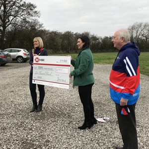 £1,000 cheque given to SSAFA Durham!